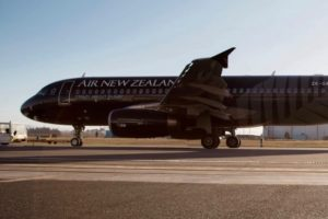 Air NZ shrugs off fuel costs, expects earnings ahead of last year