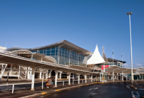 Auckland Airport restricts public access to terminal