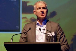 Auckland Airport cancels dividend, CEO takes 20% cut