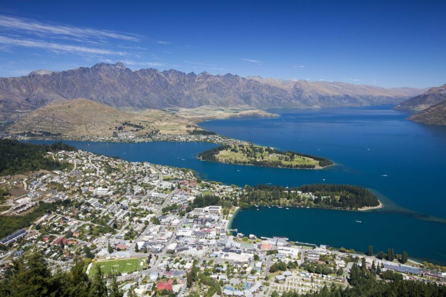 Queenstown hoteliers to take bed tax fight to capital