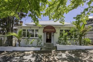 City-fringe backpacker lodge placed on the market for sale
