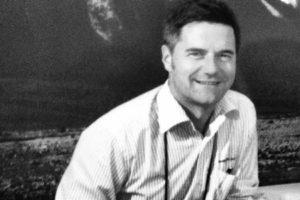 Apollo hires former JUCY boss de Lautour