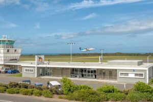 Airport cafe up for lease as council steps aside
