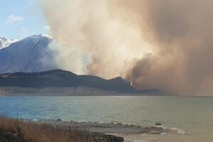 Mackenzie blaze: Visitor evacuations at Aoraki/Mt Cook