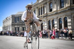 Scaled-back Victorian celebrations to go ahead