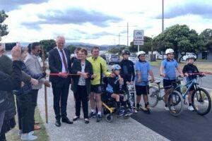 Wellington's harbour-side walking, biking path opens