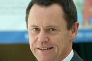 PCE Simon Upton: Introduce departure tax now