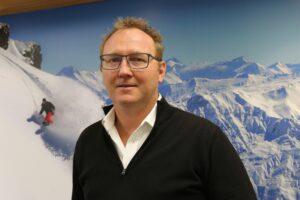 """Aus bubble no """"silver bullet"""" for Queenstown – DQ chair"""